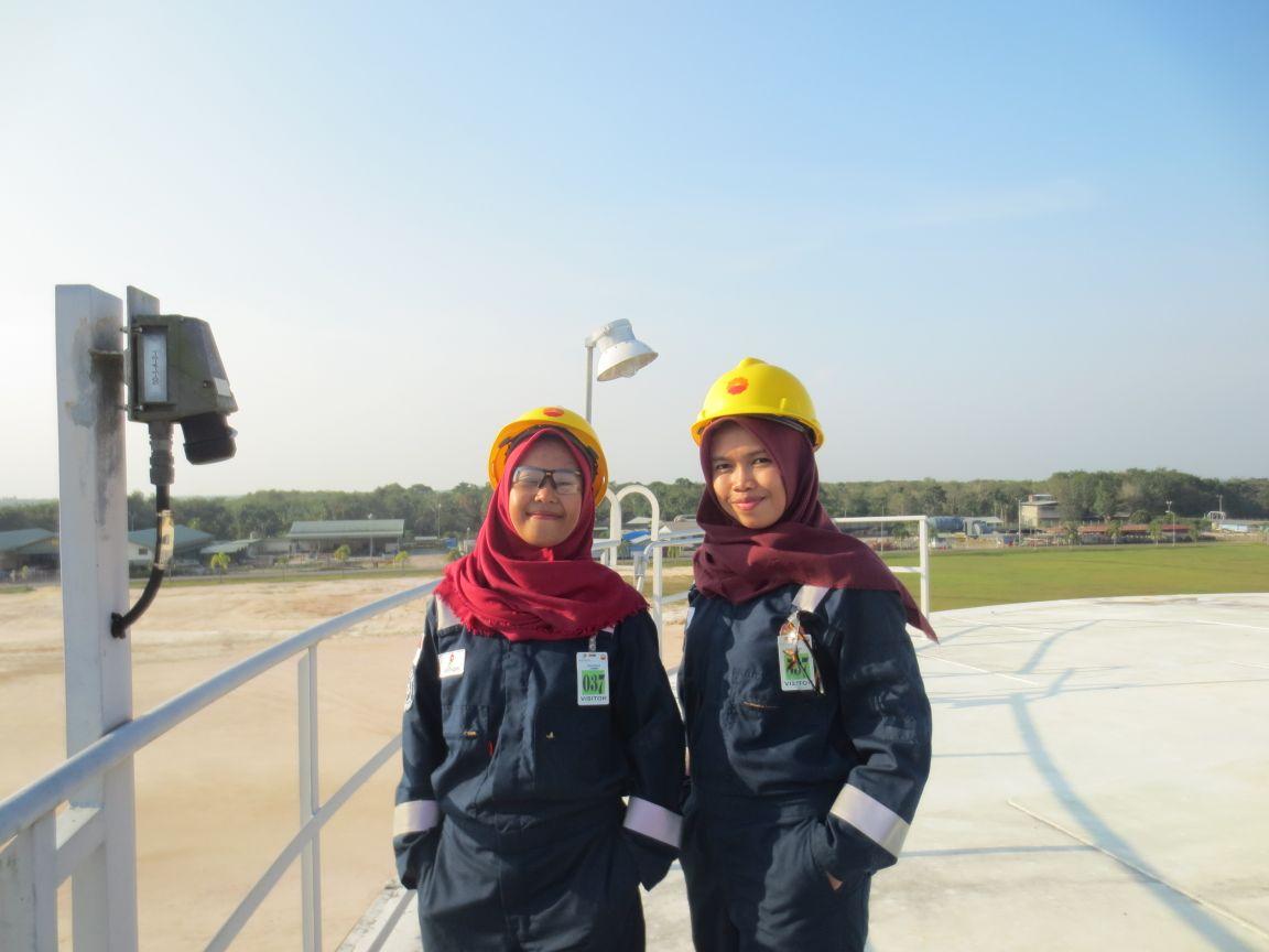 Novita Jayanti dan Uswatun Hasanah di PetroChina International Jabung Ltd